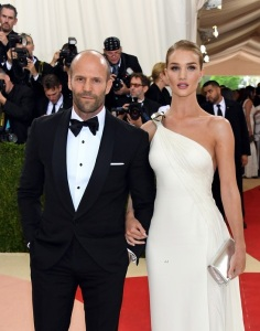 rosie-huntington-whiteley-jason-statham-2016-met-gala-04